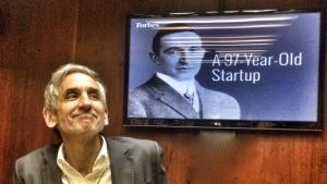 3.crusa14 NYC: Lewis DVorkin, Chefredakteur Forbes, erklärt ein junges Startup